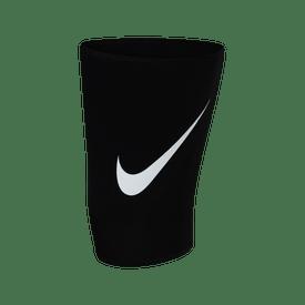 Muslera-Nike-Pro-Fitness-2.0